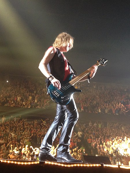 Aerosmith tom hamilton