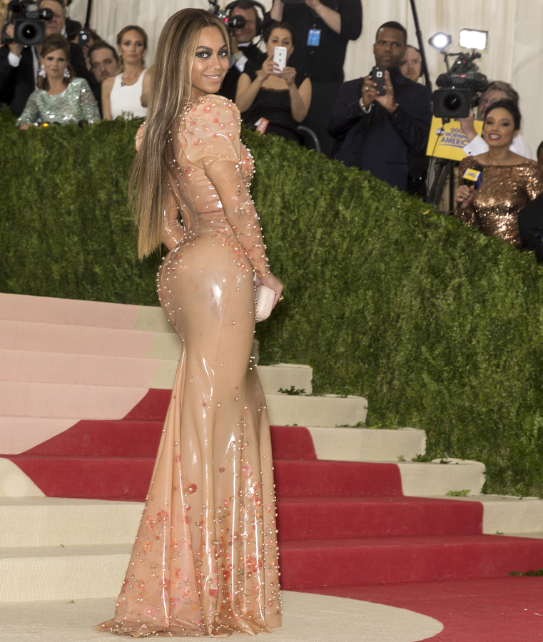 Beyonce's height and weight