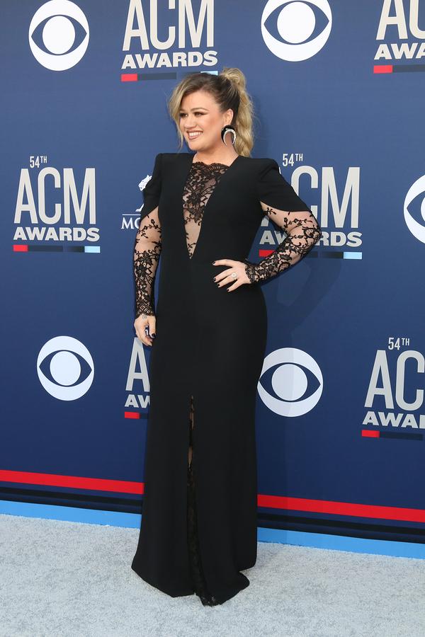 Kelly Clarkson singer