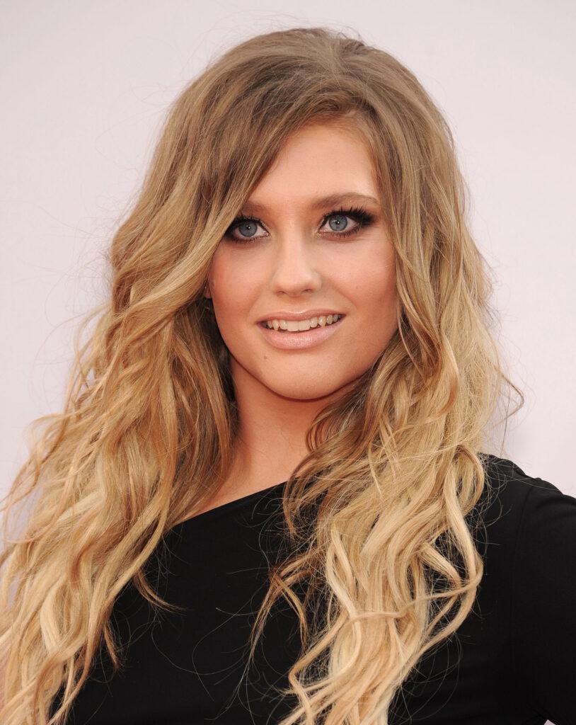 Ella Henderson at the 2014 American Music Awards