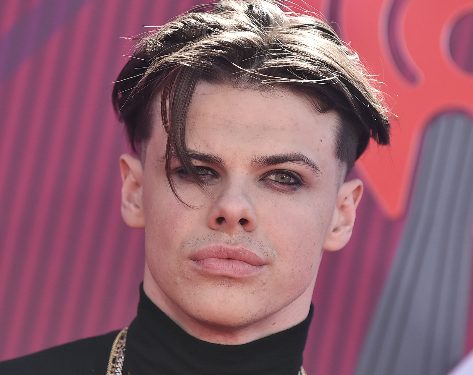 Yungblud arrives for the iHeart Radio Music Awards 2019