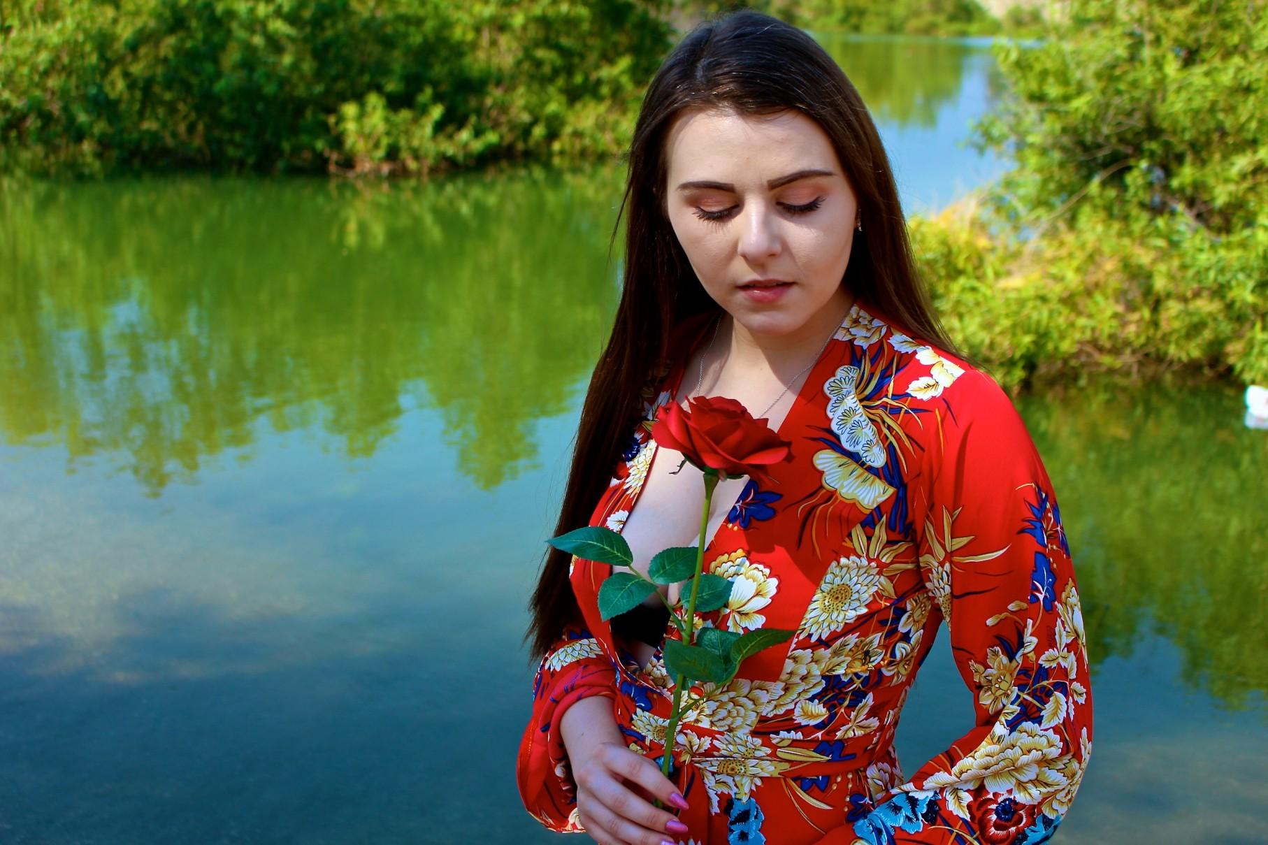 Tana Rose